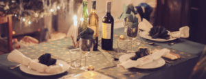 cropped-festive-table-layed-for-christmas-dinner-with-wine_